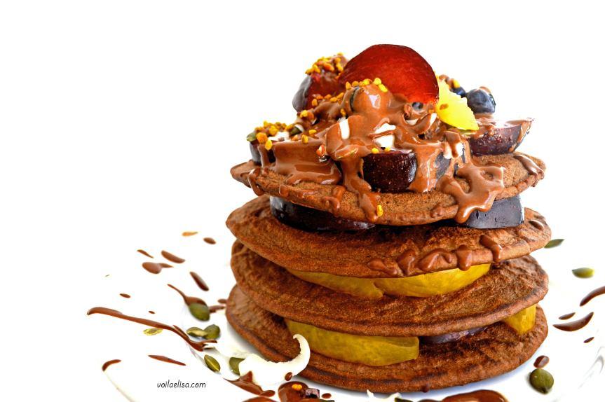 tortitas-pancakes-algarroba-chocolate-veganos-sin-gluten-sin-lactosa-sin-azucar-saludables-garbanzos-ciruelas-coco