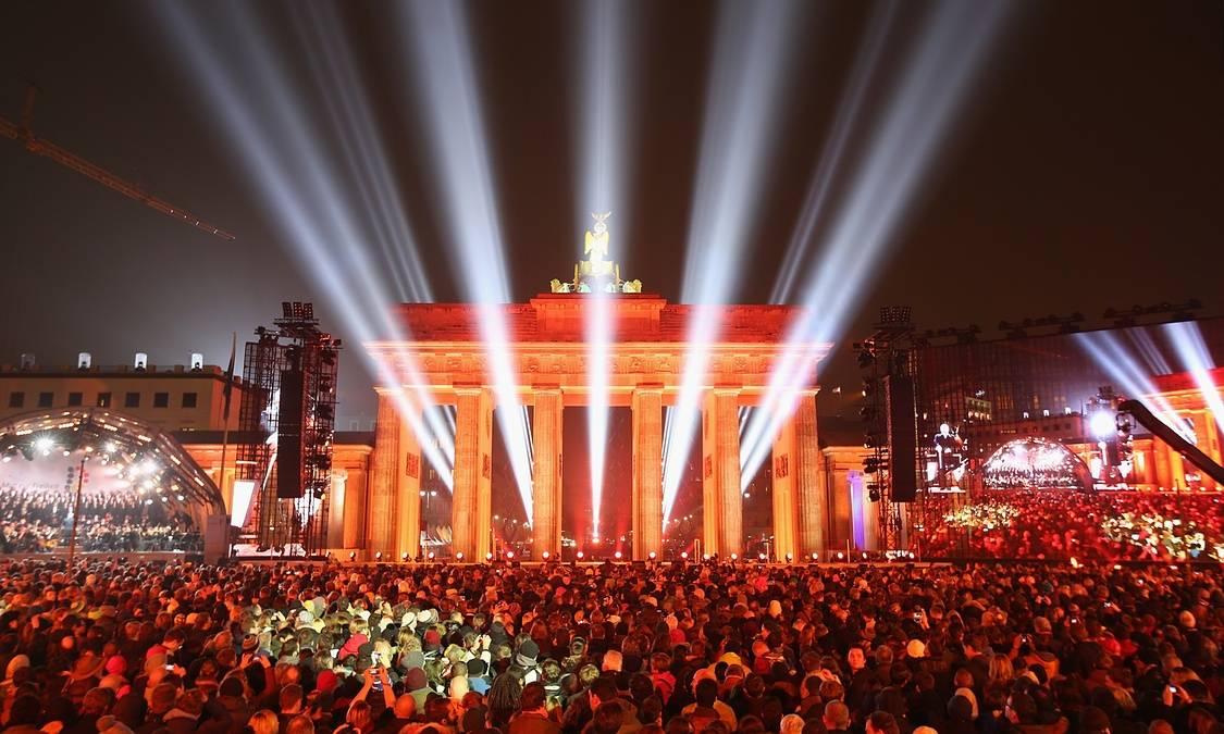 На 3 октомври 1990 г. Германия се обедини след 41 години комунизъм ...