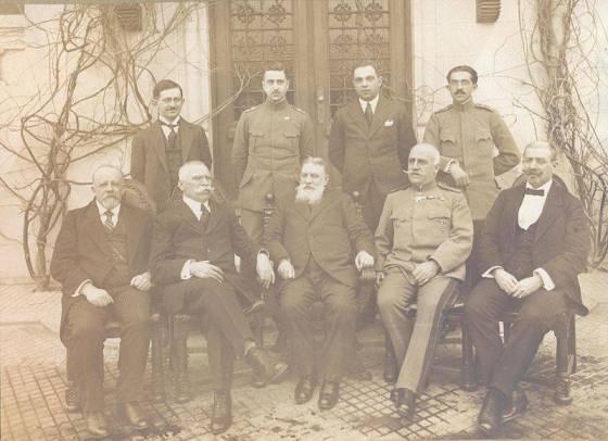 Българската делегация при подписването на капитулацията на Руската империя в Брест-Литовск