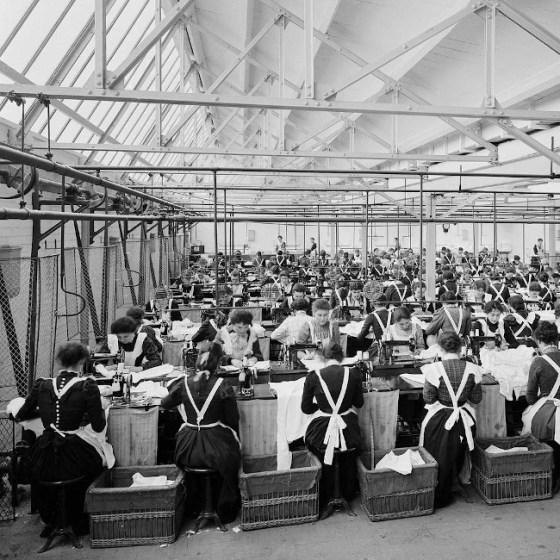 Women working at Cellular Clothing Company Ltd, Swindon, 1902