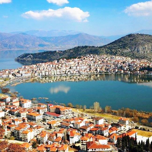 Изглед към град Костур и езерото