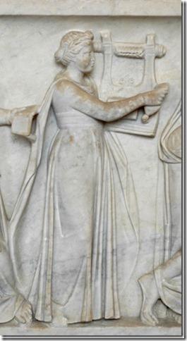 Erato, Muse de la Poésie lyrique, sarcophage du Louvre