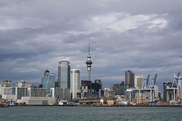 © moi Auckland central depuis le ferry en route vers Devonport..