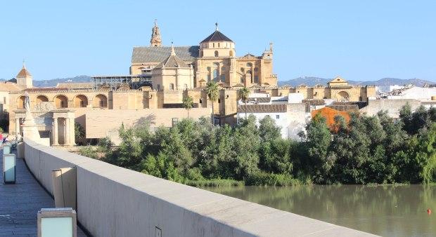 Vue depuis le pont romain (Puente Viejo)