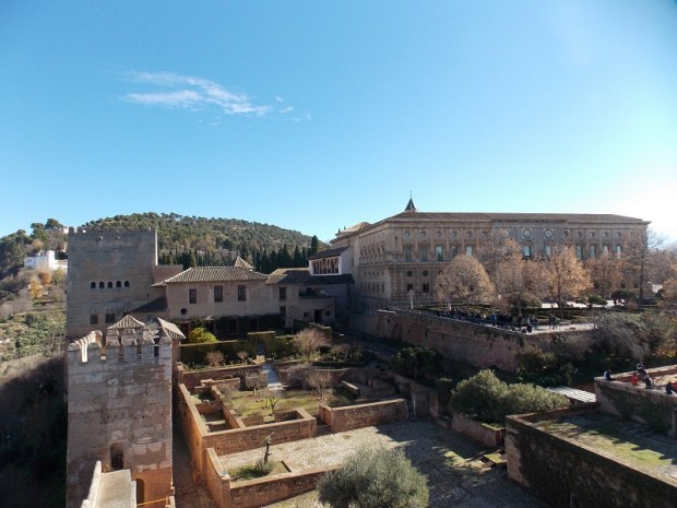 27. Vista desde la AlcazaBa al Palacio de Carlos V