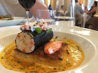 Quenelle de merlu, risotto et homard.