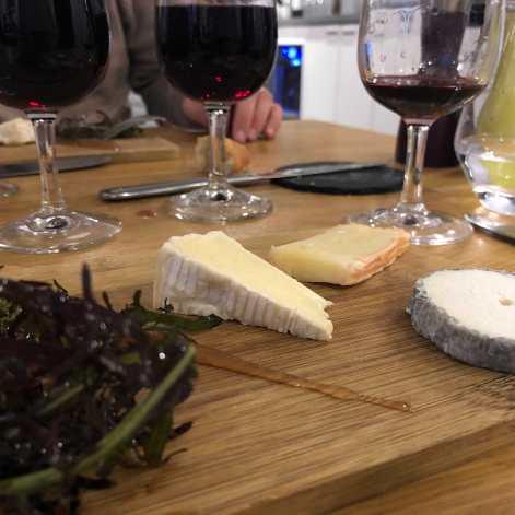 Fromages: sainte-maure, camembert et maroilles
