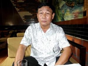 លោក ង្វៀង តឹង ស៊ឺ (Nguyen Tan Su) អតីតលេខាធិការដ្ឋានបក្ស កុម្មុយនិស្តវៀតណាមប្រចាំឃុំហាម យ៉ាង