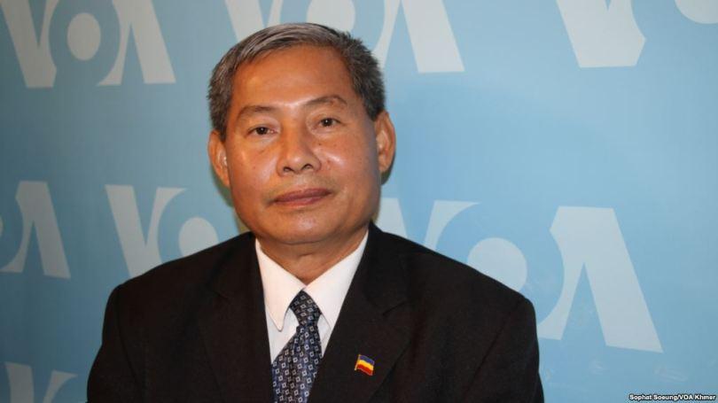 លោក ប្រាក់ សេរីវុធ ប្រធានប្រតិបត្តិ នៃសហព័ន្ធខ្មែរកម្ពុជាក្រោម ។ រូបថត VOA Khmer
