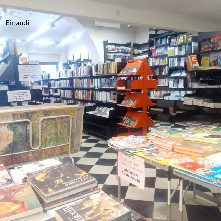 Rotte librarie. Libreria Einaudi, Trieste.