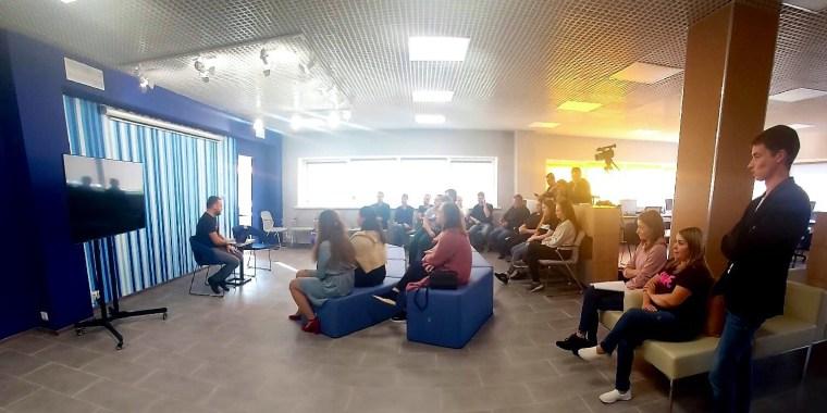 Продуктивная встреча молодёжи с основателем коворкинг-центра «CoLab»
