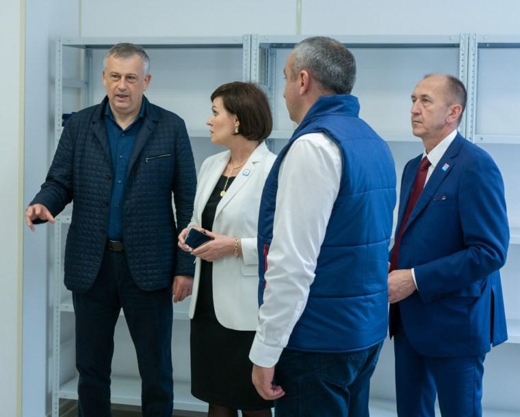 Губернатор посетил обновлённый филиал ЦЗН в Волхове