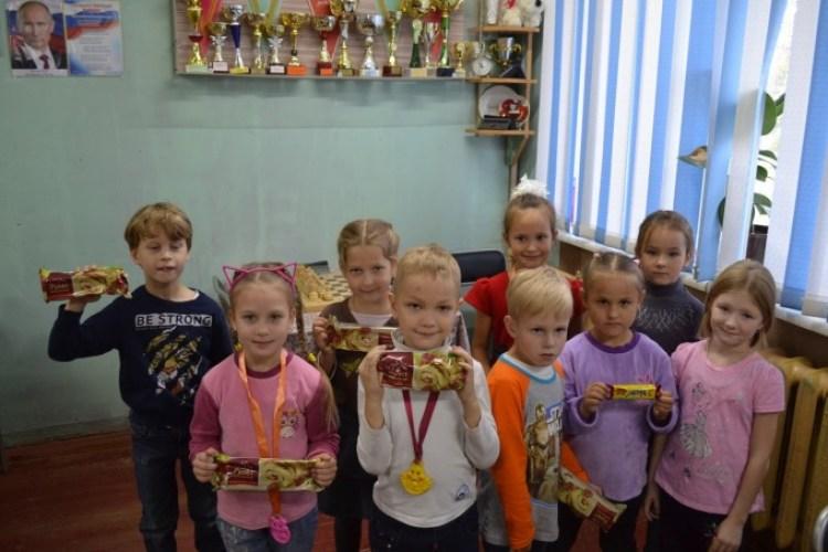 Первые успехи юных шахматистов
