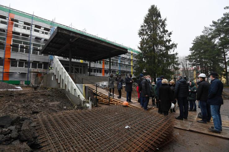 Губернатор оценил ход реновации школы в Сясьстрое
