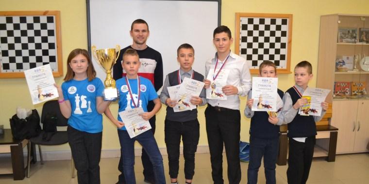 Школьники Волхова поборолись за звание лучших шахматистов