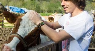 Seljak prvo digitalno crnogorsko selo