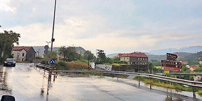 Rekonstrukcija starog puta, Sporno rješenje vijadukta kod Rogama