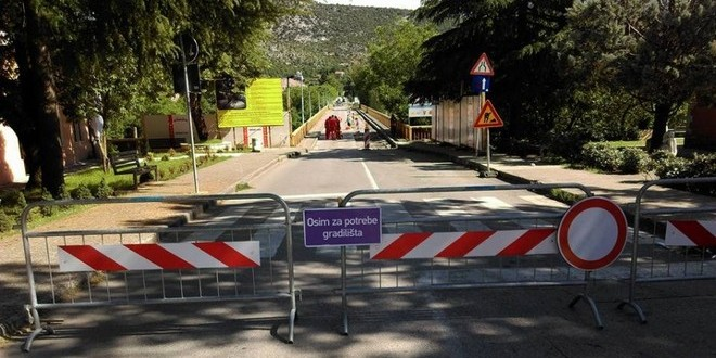 Danilovgrad: Preko mosta od 15. septembra