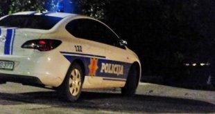 Sinoć se prevrnuo automobil, dva mladića lakše povrijeđena