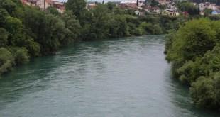 Građani prijavili: Tijelo pluta Moračom, u toku pretraga terena