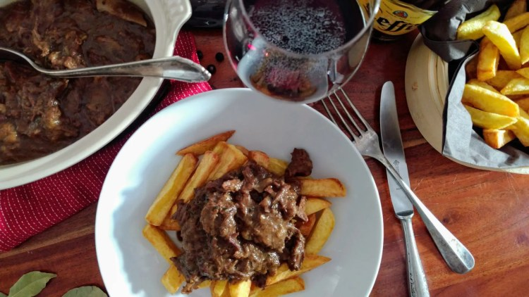 Stoofvlees mit belgischen Pommes
