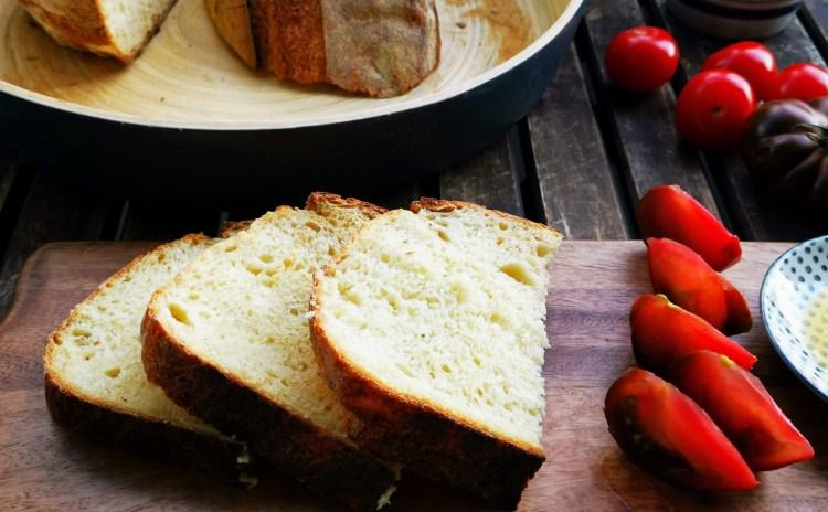 Pane di Altamura - italienisches Hartweizen Brot - geschnitten