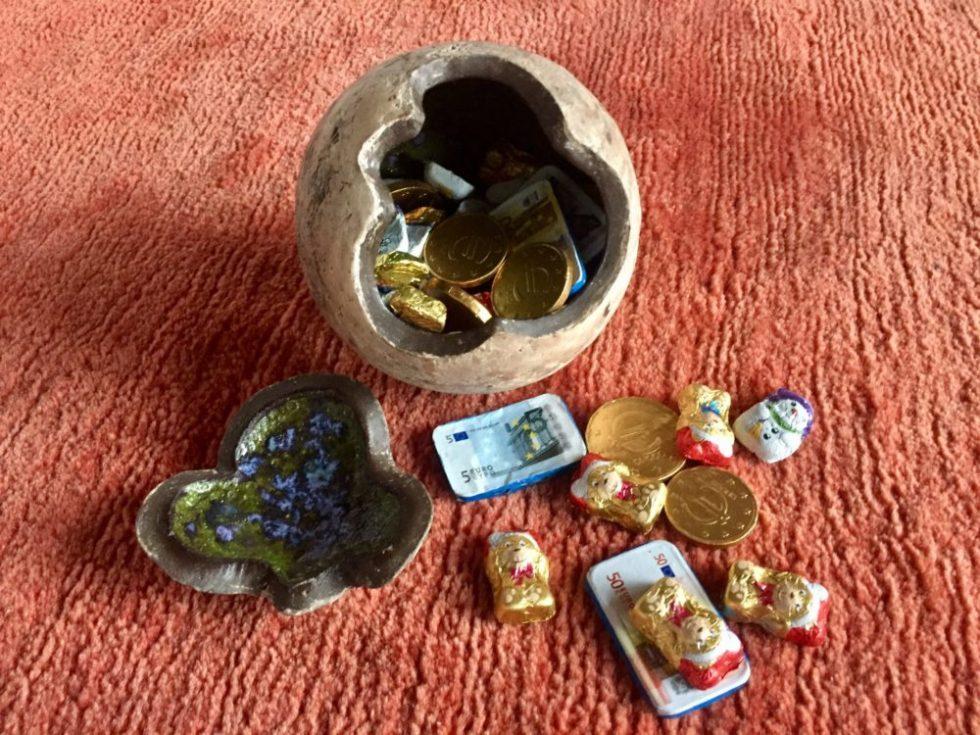 Keramikkugel mit süßem Inhalt