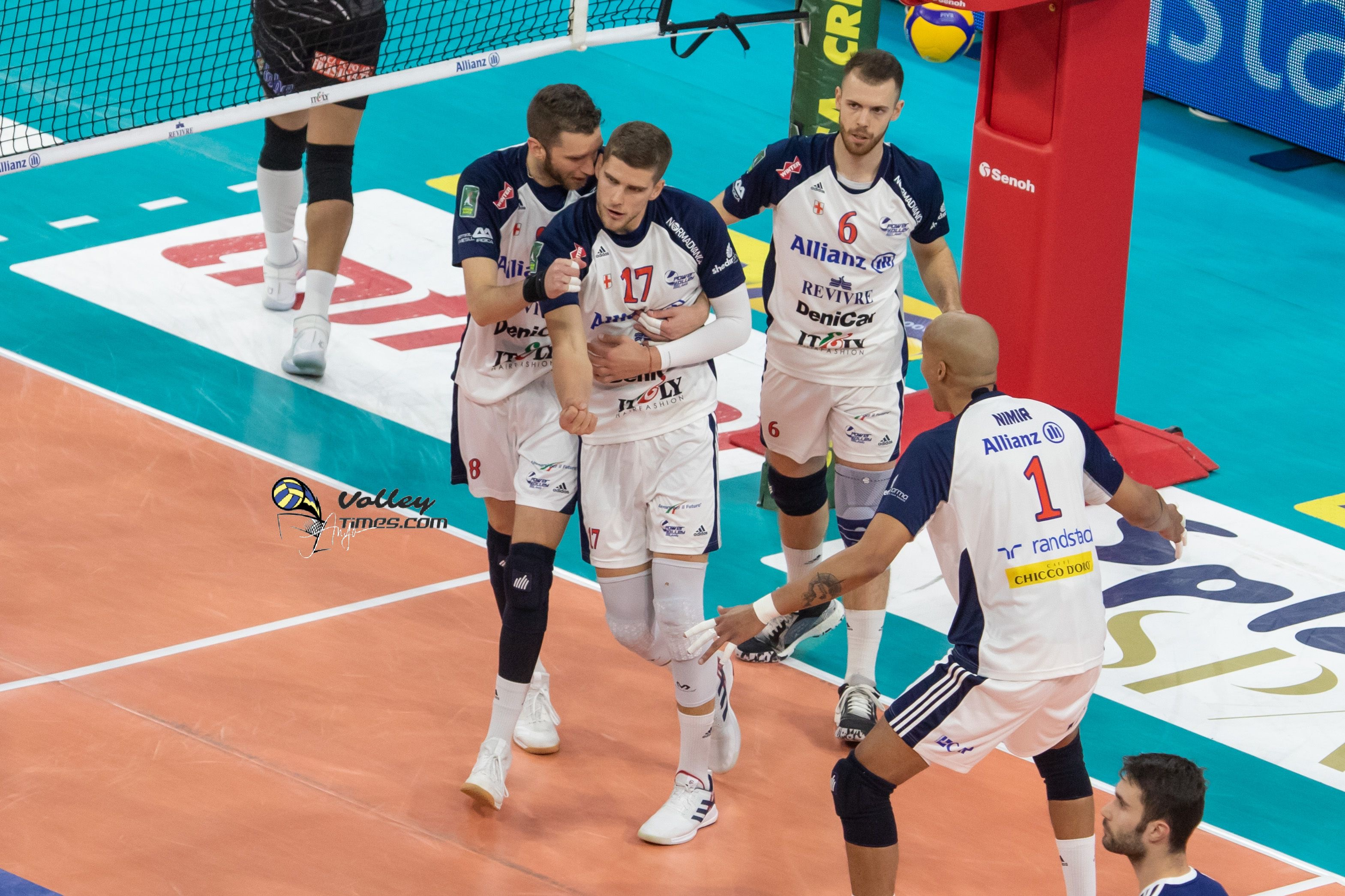 Italy: Modena conquer Trentino's home court after 4 years, Perugia record 21st win in a row, Civitanova, Monza, Cisterna and Milano ok