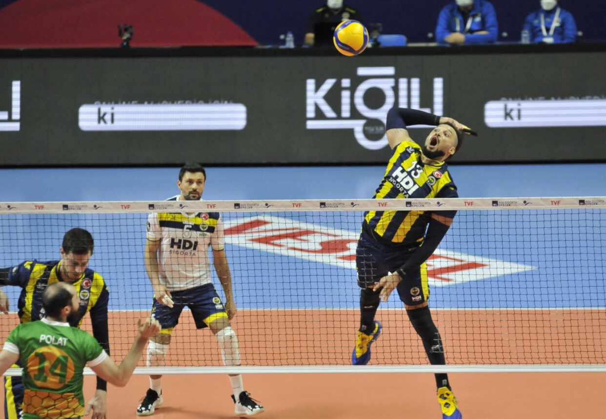 Turkey: all easy for Fenerbahce in recovery match of Round 28
