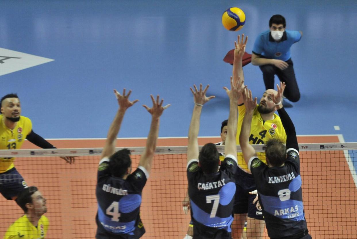 Turkey: Fenerbahçe join Ziraat in final!
