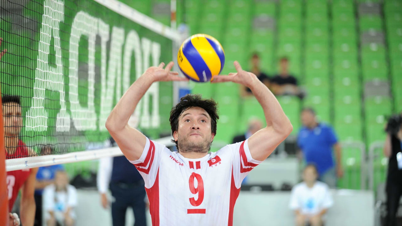 One more volleyball player as flag bearer in Tokyo: Ben Cheikh for Tunisia!