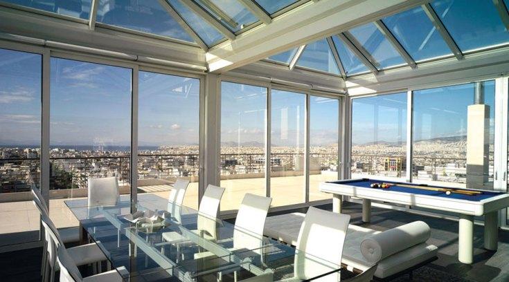 Aυτό το γυάλινο διαμέρισμα είναι στη χώρα μας! Απίστευτη θέα! ΔΕΣ!