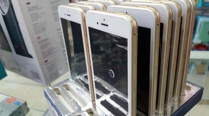 Αγοράζουν i-phone ψεύτικα για…μούρη! Ε δε πάμε καλά! (ΦΩΤΟ)