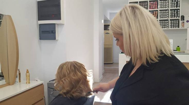 Via Capelli: Περιποιηθείτε τα μαλλιά σας με super προσφορές!