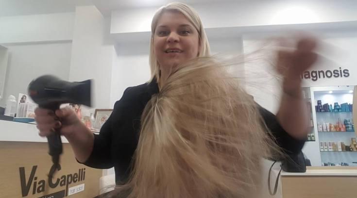 H Mαρία είναι εκπληκτική! Η γκουρού των μαλλιών μας, έφτιαξε και τα δικά μου! (ΦΩΤΟ)