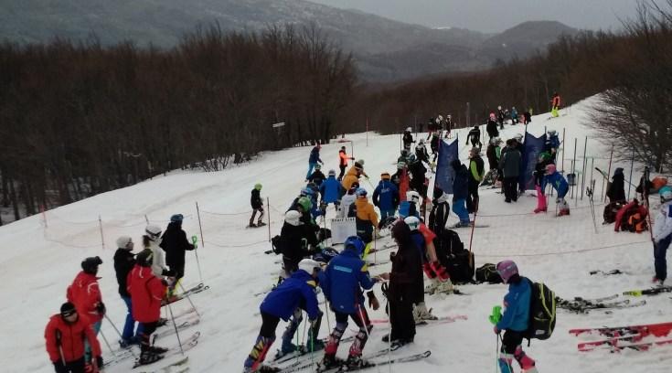 ΤΩΡΑ: Πανελλήνιοι αγώνες στο Χιονοδρομικό μας κέντρο! (ΦΩΤΟ)