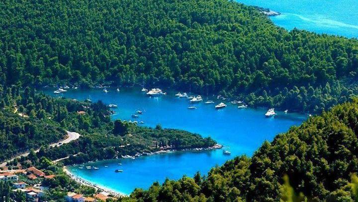 Βρετανική εφημερίδα: Η Σκόπελος είναι το απόλυτο ελληνικό νησί!