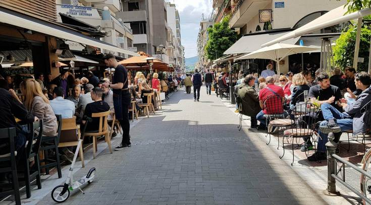 Γνωστό καφέ στο Βολονάκι, γίνεται τσιπουράδικο;