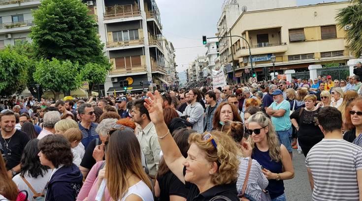 ΤΩΡΑ: Χιλιάδες Βολιώτες στο συλλαλητήριο για την ΑΓΕΤ (ΦΩΤΟ)