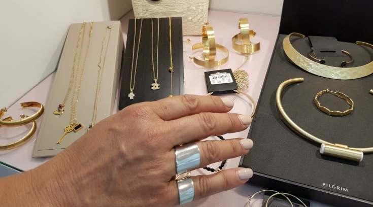 Αυτά τα δαχτυλίδια είναι το απόλυτο must του φετινού καλοκαιριού!