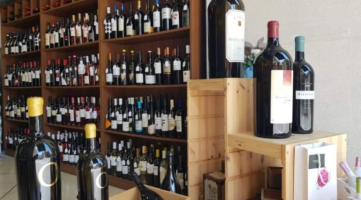 Ο παράδεισος του καλού κρασιού, είναι στο κέντρο της πόλης μας!