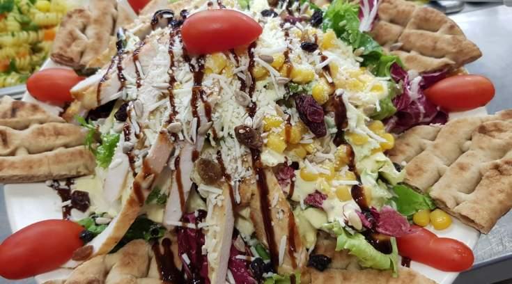 Που μπορείς να φας την πιο μεγάλη και απολαυστική ceasar's της πόλης; (ΦΩΤΟ)