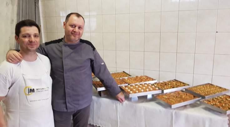 Απ όλη την Μαγνησία στον δικό τους φούρνο για τα πιο ξεχωριστά σιροπιαστά, δες τα!