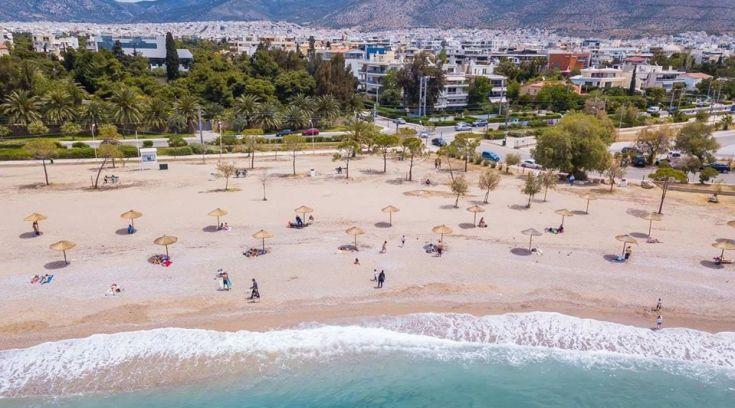 Προετοιμάζονται οι παραλίες να μας δεχτούν- ΔΕΙΤΕ τις αλλαγές!