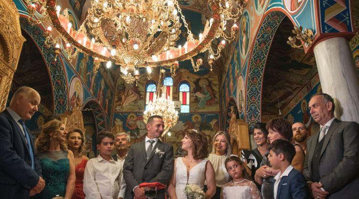 O γάμος του Χρήστου και της Βάσιας μέσα από τον φακό της Βάσως Παππά!