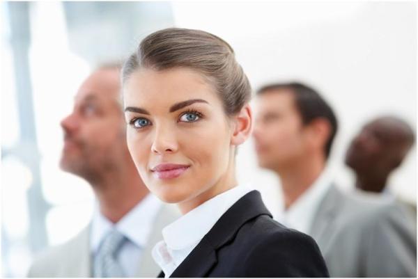 Прически в офис на каждый день на средние и длинные волосы
