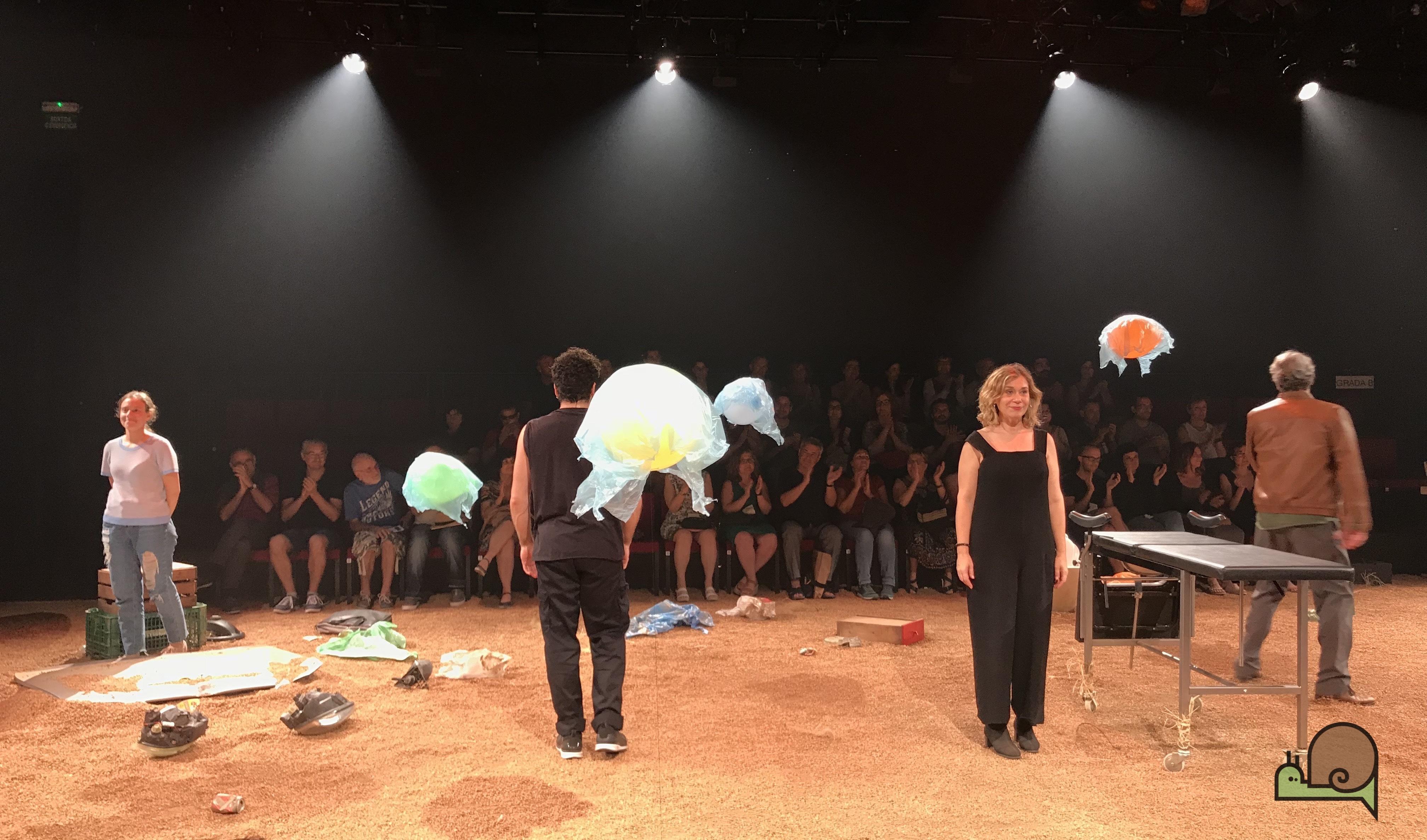 Festival Grec 2018 Teatre Una Gossa En Un Descampat Sala Beckett 2018 07 01 Temp 17 18 Espectacle Nº 333