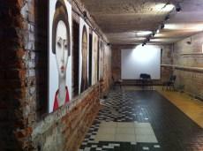 Galería de Arte, exposición en el sótano