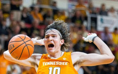 Tennessee Overcomes Adversity to Edge Out Florida