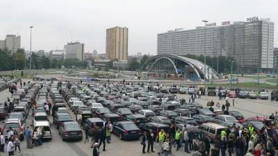 Rekordu Guinnessa – Parada samochodów Volvo
